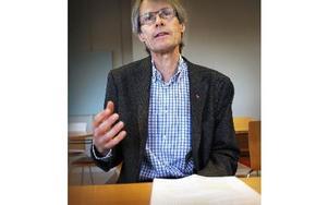– Mat är medicin, säger Bengt Malmqvist, chefsläkare. Han poängterar hur viktigt det är att patienterna äter bra kost. Mat är en väl integrerad behandlingsmetod. Det är oerhört väsentligt. Även att det är bra i personalmatsalen. Foto: Staffan Björklund