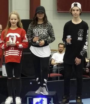 Ackes tog hand om hela pallen i hiphop silver J2: 1) Alice Engström, 2) Lisa Boogh, 3) Erik Lindberg.