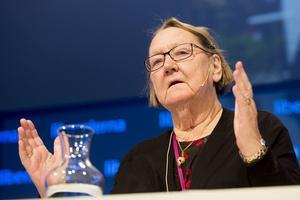 75-åriga Marit Paulsen, känd för sitt engagemang i jordbruksfrågor, lämnar politiken med hänvisning till vacklande hälsa.