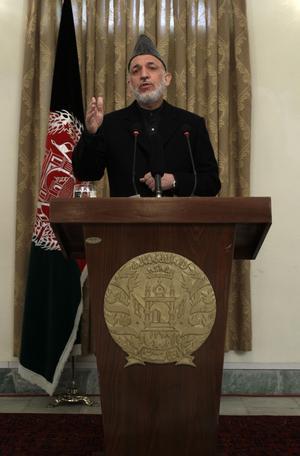 I talarstolen. Den afghanska presidenten Hamid Karzai välkomnade beskedet om tillbakadragandet av amerikanska trupper.      FOTO: SCANPIX