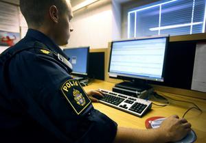 Inspektör Stefan Erkensjö, vid NOA, ser den växande marknaden för illegal IPTV som ett stort problem. Fotograf: Anders Sjöberg