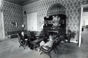 25 augusti 1977. Östra rummet på Stadshotellet.