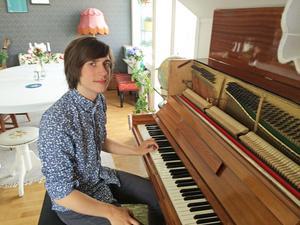Jesper Norberg har släppt sin första soloskiva.