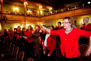 Ingrid Christensen från Östersund släppte lös i kroppsdelarnas dans. Foto: Ulrika Andersson