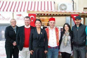 Vildan Selcuk från Mawlana halal kött, Magnus Ulfner från Hotell Dalecarlia, Ülkü Akyüz Ulfner, Ziya Gürsoy från Hamam Oriental, Aysin Akder och Gürel Akder