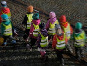 Förskolebarn på väg.Bild: Hasse Holmberg/TT