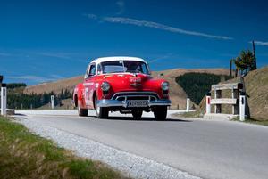Världens första muskelbil. Oldsmobile 88 kom 1949, var lättare än konkurrenterna och hade en urstark motor och blev därför föregångaren till de så kallade muskelbilarna. Under tidigt 1950-tal dominerade den Nascar.