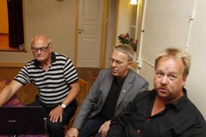 Sverigedemokraterna valvakar i Torvalla bystuga