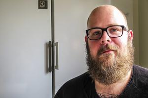 Jonas Nordmark är övertygad om att jobbet inom hemtjänsten gjort honom mer uppmärksam även på saker utanför hans yrkesmässiga ansvarsområde.