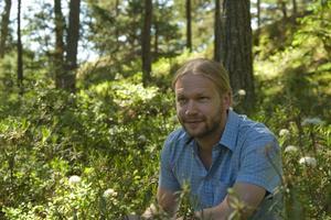 Martin Emtenäs skriver om sina svenska naturfavoriter i boken