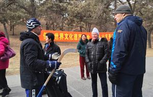 Hans Elis Johansson och Nikolaj Valujev, tidigare boxare och numera politiskt aktiv i Ryssland, träffades i samband med SAIK:s resa till Kina i januari 2015.