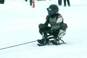 Mange Jensen åkte snowracer i 155 kilometer i timmen