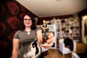 Johanna Nybelius med en 3D-modell av sig själv som prinsessan Leia.