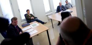 Häktningsförhandlingarna pågår i Borlänge polishus. Foto: Janne Eriksson