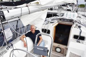 Robert Karlsson tillbringar en stor del av sommaren ute på havet. Nu laddar han för årets Ulvöregatta.