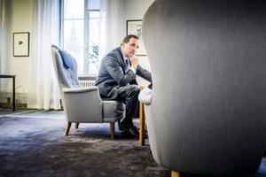 Förre metallbasen Stefan Löfven kan vid behov få stopp på kritik från LO-borgen. Frågan är hans om hans pondus biter även på miljöpartister.e