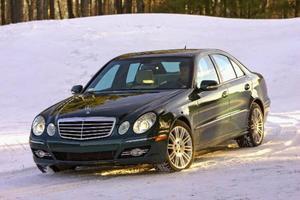 Mercedes E280 CDI450 900 kronor.Dyr. Ny modell släpps i Sverige nu    i dagarna. Den lär inte bli billigare.