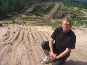 NEO Ohlsson tror på en rolig lördag då landets bästa motocrossförare kommer till Voxna.