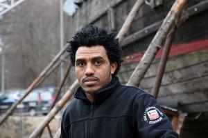 Samuel Habtemaram ser fram emot att få jobba med båten, även om det skiljer sig från vad han gjort tidigare. I Eritrea var han taxichaufför och det vill han arbeta med i Sverige också.