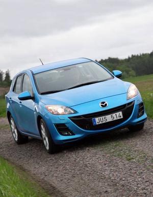 fräckare. Utan att identiteten gått förlorad har Mazda 3 fått en ny och betydligt fräckare design. Men bilen byggs fortfarande på samma plattform som tidigare, den som delas med Volvo och Ford.