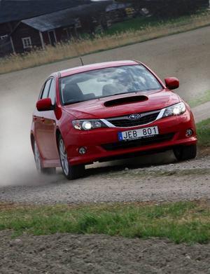 Subaru Impreza fick bara fyra stjärnor i Euro Ncap:s nya och tuffare krocktest. Bland annat svagt skydd mot pisksnärtskador drog ned betyget.