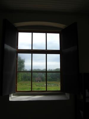 Vi var till Tidö slotts Leksaksmuseum och det var så vackert när jag tittade ut genom fönstret.