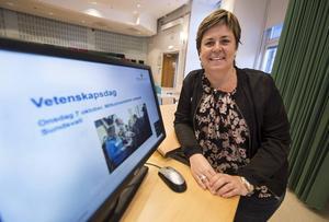 Åsa Bång, koordinator för skolsamverkan på Mittuniversitetet vill förbereda gymnasieeleverna för campusliv.