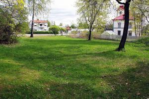 Två ledamöter i miljö- och byggnämnden har reserverat sig mot beslutet att ge bygglov på Swartz-tomten i Alfta.