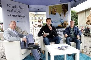 Riksdagskandidaterna Kent Ekeroth och Christian Westling och partisekreteraren Björn Söder.