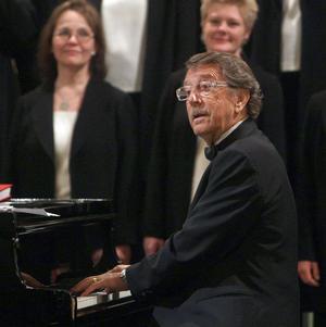 Kjell Lönnå pratade om musik mellan styckena i kyrkan.