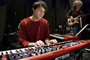 Martin Lundquist på keyboard.