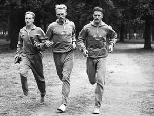 Lennart Strand, Henry Eriksson och Gösta Bergkvist under träning i London.
