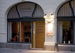 Limone kammade hem fyra gafflar av fem.