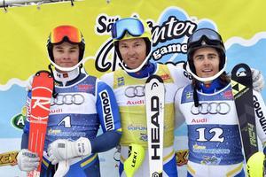 André Myhrer försvarade segern i Ski Funtastic, här tillsammans med Max-Gordon Sundquvist, ÖFS, trea och tvåan Gustav Lundbäck, Luleå.