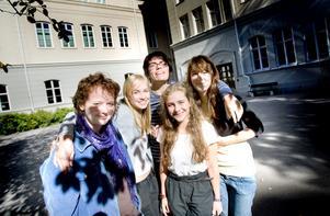 Bara en månad efter terminsstarten så är det en bra stämning bland eleverna på nystartade spetsprogrammet vid Vasaskolan. Det intygar Anna Sjöberg, Isabelle Skareng, Joakim Baer, Lovisa Hellsten och Lilly Torkesdotter.