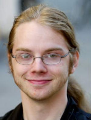 Robin Öberg, 22, studerande, Alnö:— Nej, jag är buddhist och medlem i Svenska kyrkan endast av praktiska skäl, för att få begravas till exempel. Jag tycker inte att kyrkan och politik hör ihop. Kyrkan ska vara ett kall för de som är medlemmar.