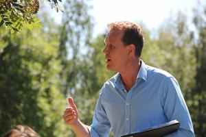 Jan-Eirik Johansen, VD för Loosbagarn, höll tal dagen till ära.