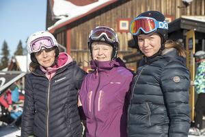 Marie Fermbäck, Anik Nordin och Vera Håkansson Fermbäck som är initiativtagare och arrangör till eventet Tillsammans på snö i Vemdalsskalet.
