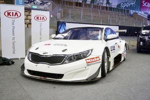 Vrålåk. Så här ser den ut, bilen som Emelie Liljeström kommer att göra sin STCC-debut i någon gång under säsongen 2015. Just nu finns ekonomin för att genomföra tre av de totalt sju race som kommer att köras. Förhoppningen är dock att kunna köra samtliga sju.Foto: Privat