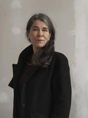 Cilla Naumann skriver om modersrollen.