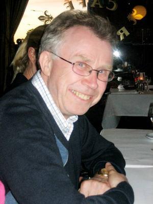 Martin Stugholm veckopendlar till Stockholm och är missnöjd med hur tågresenärerna från Jämtland behandlas. – Jag känner mig som en andra klassens medborgare, säger han.