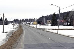 För tolv år sedan bodde 87 människor i Myckelgensjö, i dag bor där 64. En effekt av den urbanisering som pågår – och som är