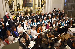 Hallelujakören sjöngs av kyrkokörerna i Sollefteå och Ytterlännäs och Sollefteå vokalensemble.