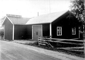 Valdemar Eriksssons verkstad i Hallsta. Foto: Sockenbilder, Högs hembygdsförening.