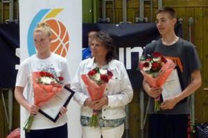 Olle Lundqvist (till höger) tilldelades Miki Herkel-stipendiet.