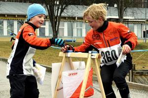 Filip och Anton i en sprintstafett.