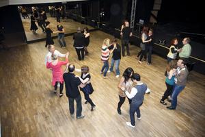 I snitt kommer det 40 personer till fredagsdanserna i Musikhuset.