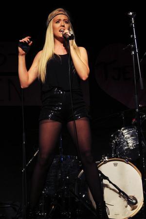Marielle Tengström uppträdde med såväl egetskrivet material som covers.