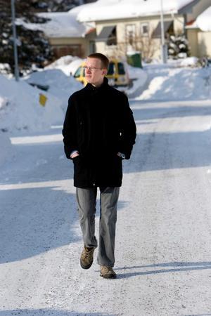 Samlar inspiration. Kristoffer Zetterberg promenerar gärna när han samlar tankar och inspiration till sina böcker. Och hittills har det fungerat bra. Endast 20 år gammal har han en bok utgiven och den andra färdigskriven.