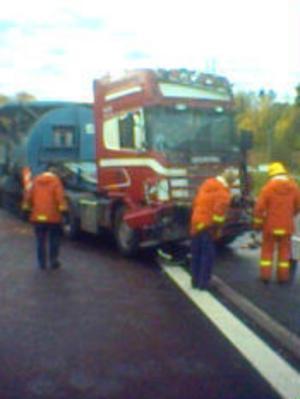 Delar av E4 i Kvissleby blockerades vid en lastbilsolycka nu på morgonen.